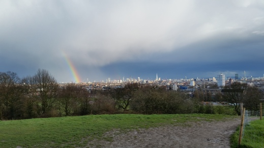 View of the London skyline from Parliament Hill, Hampstead.jpg