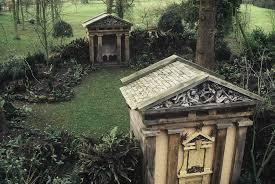 highgrove-garden-pediments-of-the-temples-in-the-temple-garden