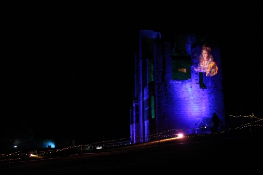image of Elizabeth I projected onto Leicester's Building at Kenilworth Castle 15 Dec 2017 - photo credit Abigail Robinson