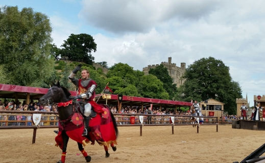 The Knights of Middle England performing the Wars of the Roses at Warwick Castle