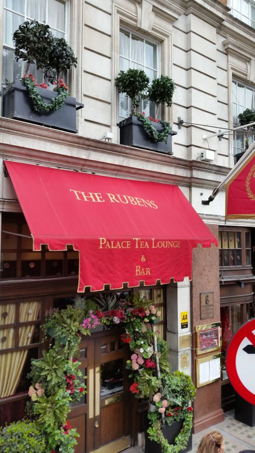 The Rubens Palace Tea Lounge and Bar, Buckingham Palace Road