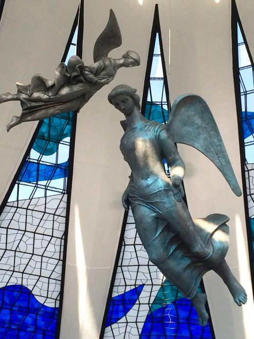 angel sculpture Lucia Zahara pixabay SC Skillman post Modern Angels