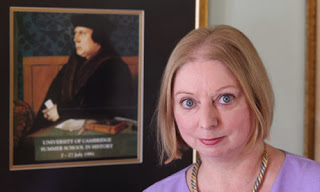 hilary-mantel-with-portrait-of-thomas-cromwell